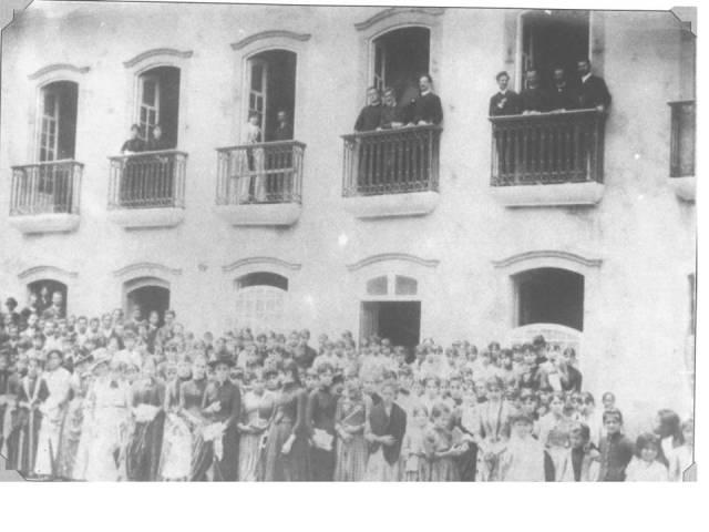 1885- Escola Normal na Rua da Boa Morte_atual R. do Carmo_por volta de 1880