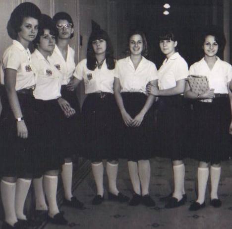 Sonia, Mariá, Mara Lúcia, Maria Emília, Rosely, Cibele, Maria Cecília.