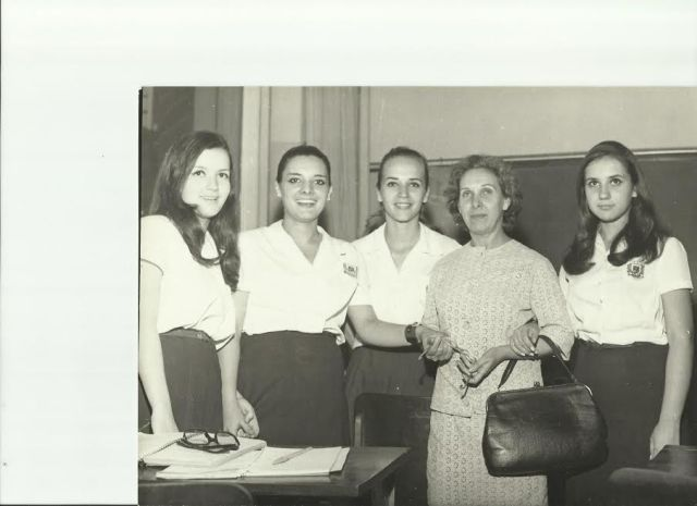 1960-m-ines-sarzna-com-palumaria-ines-b-sarzana-thelma-prado-da-silveira-mirian-sanches-dona-pallu-e-regina-helena-lanzoni-ferreira